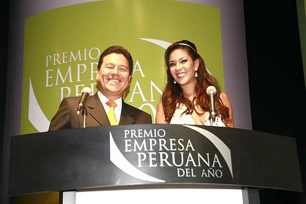 Premio Empresa Peruana del Año 2010 - Edición Nacional. Grandes Maestros de Ceremonia, Gonzalo Iwasaki y nuestra Ex-Miss Perú Silvia Cornejo.